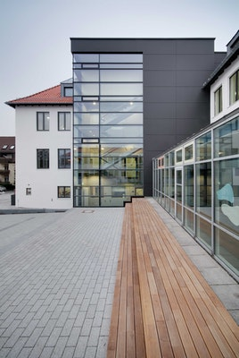 Blick auf den Treppenhausanbau
