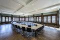 Der wiederhergestellte Hofgerichtssaal im 3. Obergeschoß nach Entfernen der Trennwände für spätere Büroeinbauten