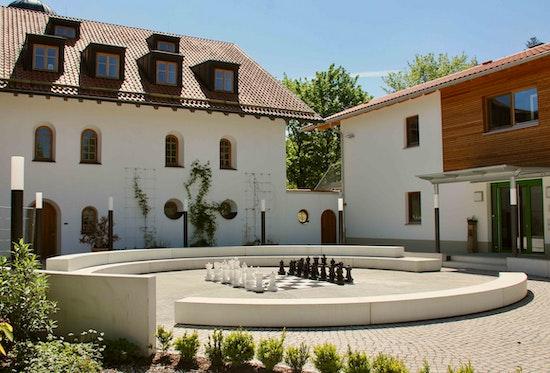 Begegnungs- und Seminarhaus Gut Dietlhofen, Innenhof
