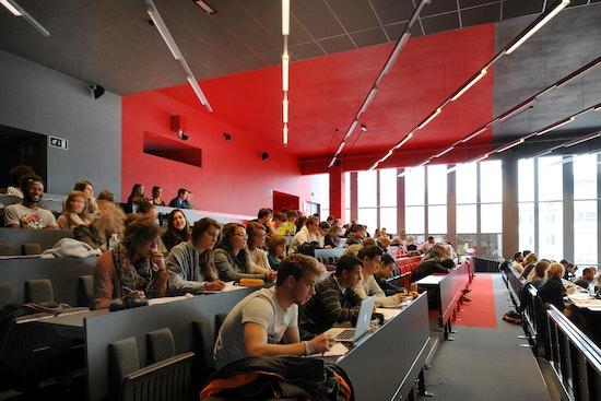 """Gewinner Kategorie """"Built"""": Lecture halls """"Opéra"""", Dethier Architecture, Université de Liège, Jean GLIBERT, © Serge Brison Photographer"""
