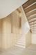 Einbaumöbel mit Treppe über zwei Geschosse