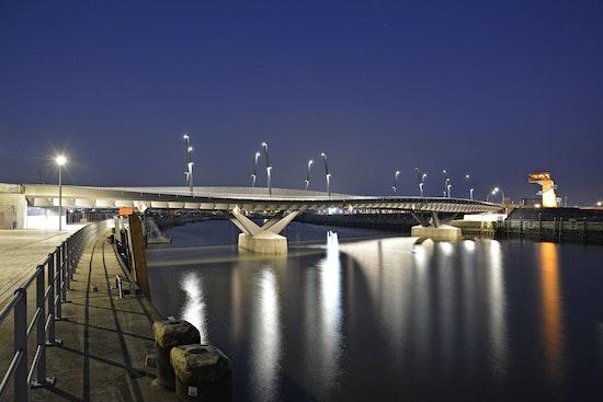 Auszeichnung: Baakenhafenbrücke, WilkinsonEyre Architects, BuroHappold Engineering, Himmel und Papesch, VICTOR BUYCK STEEL CONSTRUCTION, © Deutscher Brückenbaupreis 2014