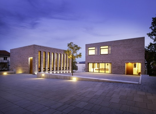 Auszeichnung: Platz der Gemeinschaft mit Kapelle und Seminargebäude