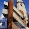Stahlplastik - Fluchttreppe im historischen Stadtraum