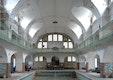 Blick in die historische Schwimmhalle