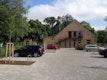 Parkplatz vor dem Gemeindehaus