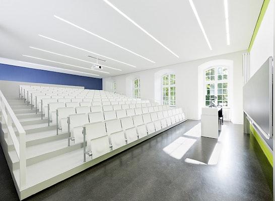 Auszeichnung: Universität Hohenheim Schloss Westflügel und Mittelbau, Zentrale Verwaltung, Stuttgart