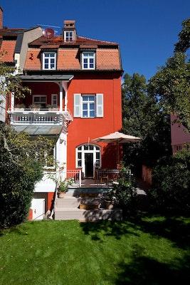 Preis: T85 - Energetische Sanierung einer denkmalgeschützten Villa, Stuart Stadler Architekten VfA, IBW Ingenieurbüro Wiesmaier, Rückseite