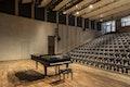 Orchestersaal mit Flügel