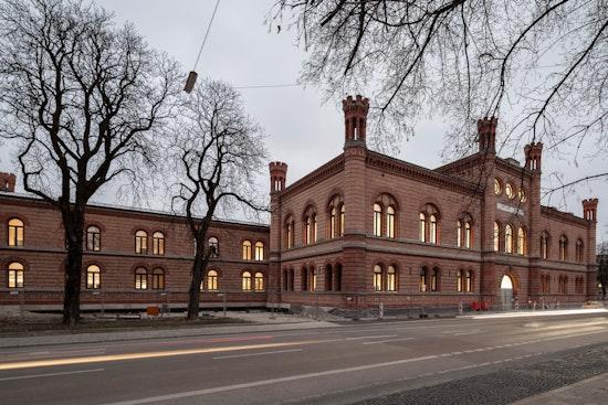 STAAB ARCHITEKTEN Design Fakultät Hochschule München (Erweiterung, Modernisierung Zeughaus)