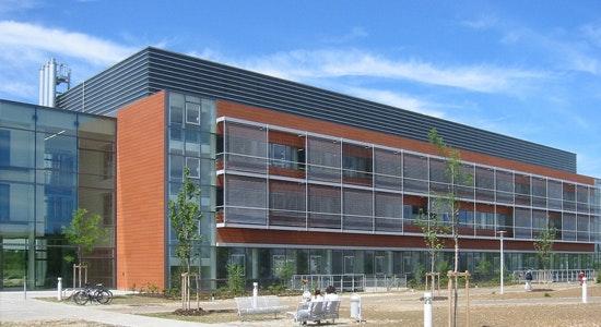 Blick zum Gebäudeteil D3