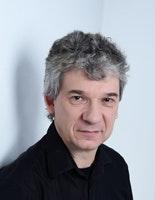Dr. Wolfgang Naumer