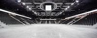 """Das modulare Prinzip der Arena, des """"Chaudron"""", erlaubt eine flexible Nutzung: Die Halle bietet je nach Konfiguration 6000- 8500 Plätze, für Handball, Eishockey, Tennis, Boxen sowie Konzerte, Messen oder andere Veranstaltungen"""