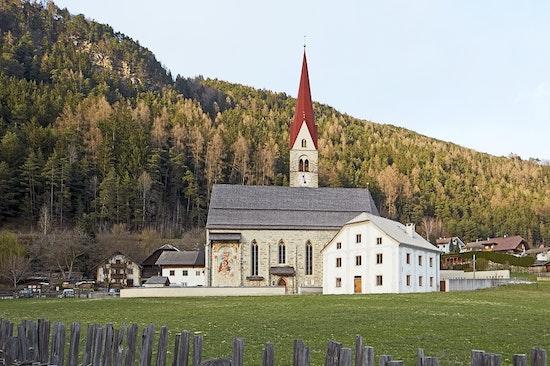 1. Preis: Erweiterung Friedhof und Sanierung Widum von St. Sigmund, EM2 Architekten Architetti, © René Riller