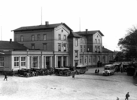 Der Bahnhof um 1933