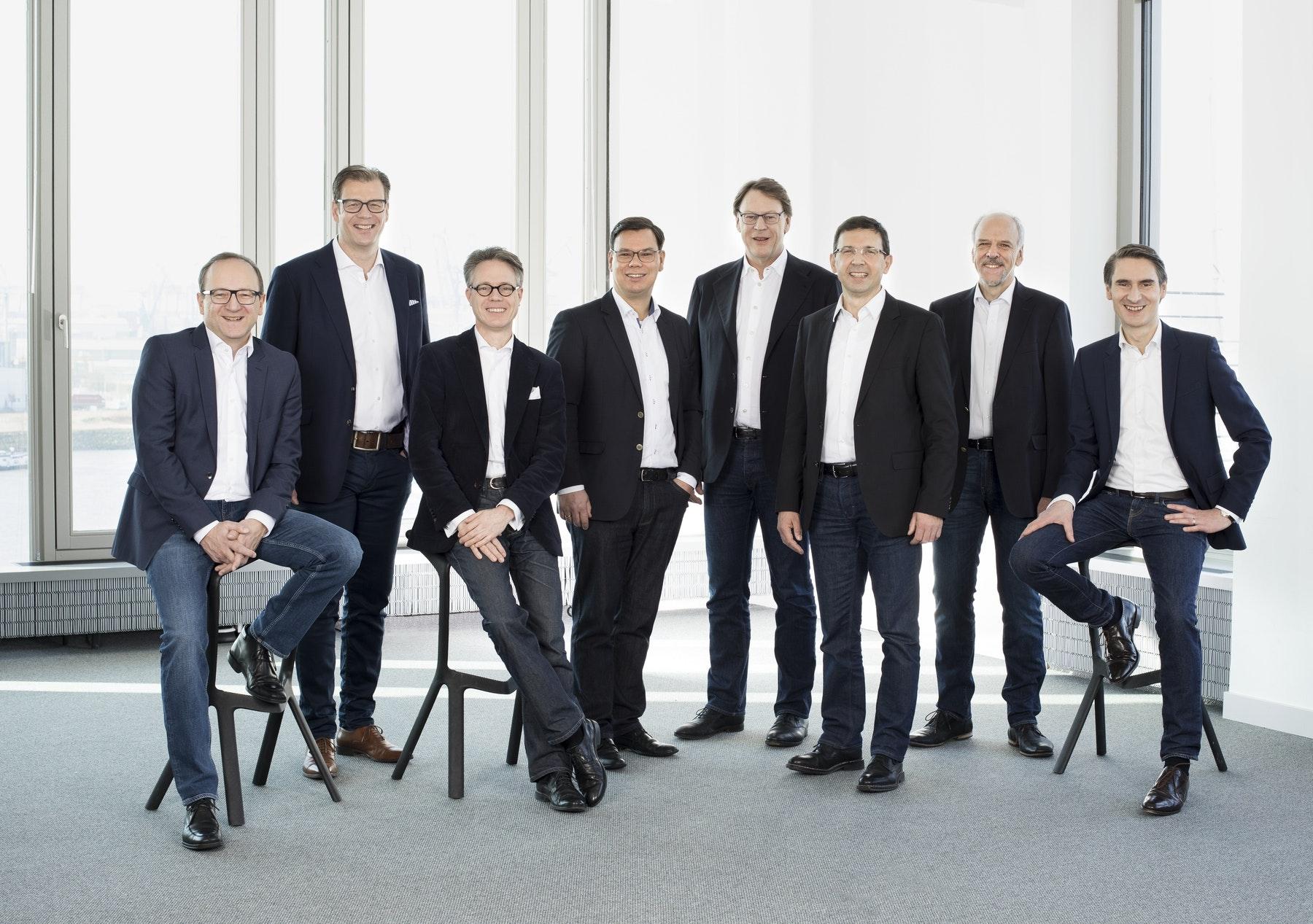 Die Geschäftsführung von WTM Engineers: Helmut Heiserer, Alexander Steffens, Thomas Schadow, Ulrich Jäppelt, Otto Wurzer, Stefan Ehmann, Hans Scholz, Dr.-Ing. Gerhard Zehetmaier (v.l.n.r.)