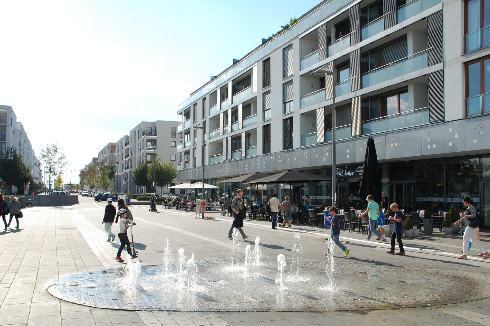 Das Wohngebiet Riedberg in Frankfurt ist infolge einer städtebaulichen Entwicklungsmaßnahme entstanden.