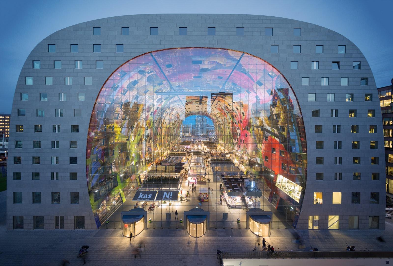 Die Markthalle Rotterdam entstand nach Plänen des Büros MVRDV.